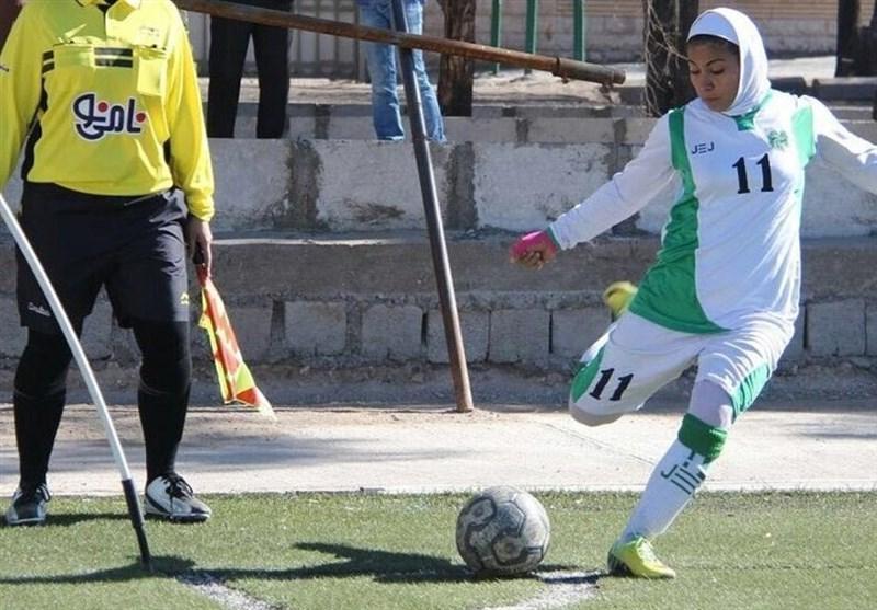 لیگ برتر فوتبال بانوان، سیرجانی ها، سپاهان را پشت سر گذاشتند
