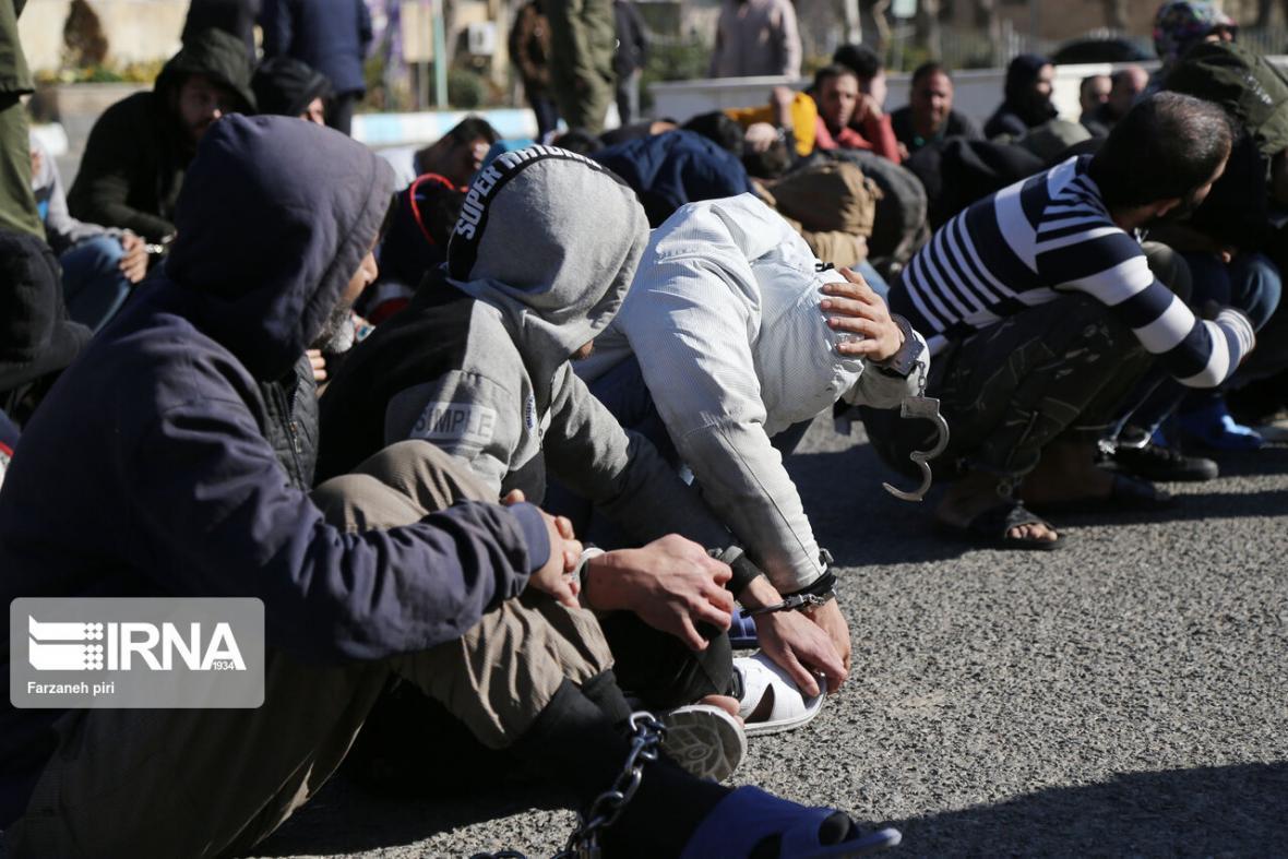 خبرنگاران بیش از 2 هزار متهم طی یک سال در جیرفت دستگیر شدند