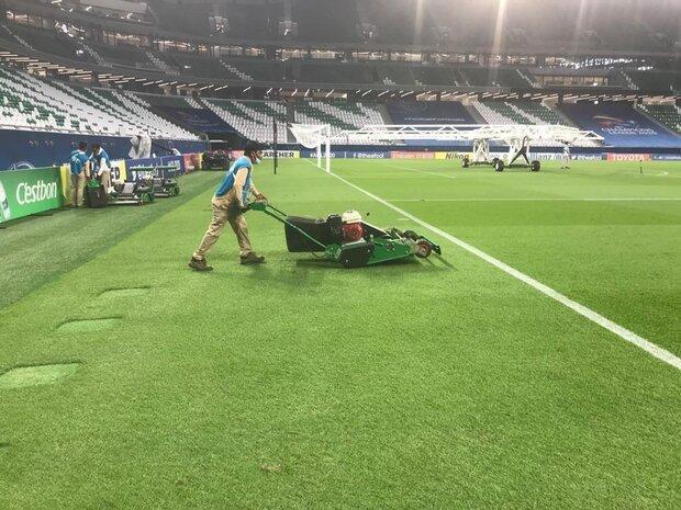 تصاویری از ترمیم چمن استادیوم قطری بعد از بازی پرسپولیس