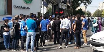 200 طرفدار استقلال مقابل باشگاه ، انتقاد از خلیل زاده و تشویق استرا (