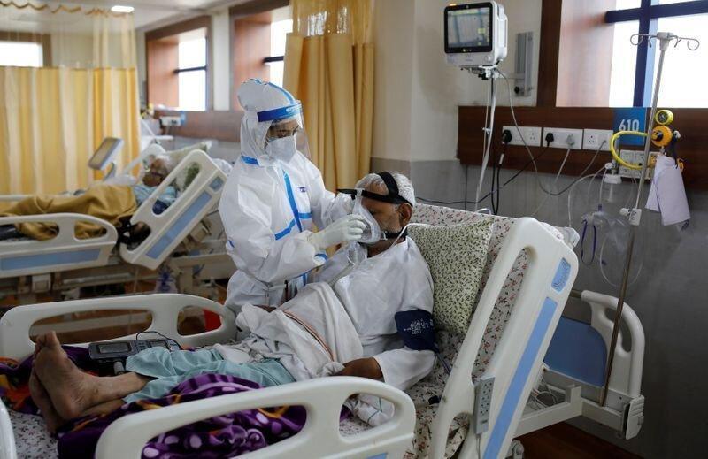 شمار موارد کرونا در هند از 5 میلیون گذاشت ، بیمارستان ها دچار کمبود اکسیژن هستند