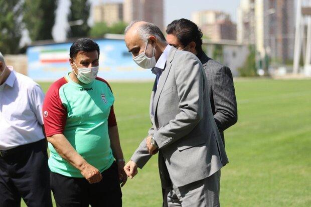 پرویز مظلومی از راهنمایی تیم فوتبال جوانان ایران استعفا کرد