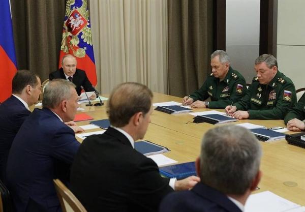 پوتین: توان نیروهای سه گانه هسته ای روسیه تقویت شده است