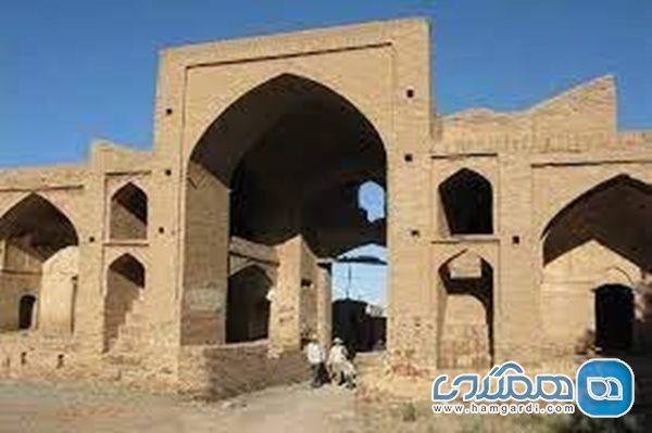 بازسازی کاروانسرای تاریخی عباس آباد میامی آغاز شد